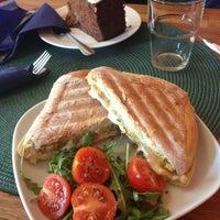 Das Foto wurde bei Cafe Rozrusznik von Christina A. am 3/17/2013 aufgenommen
