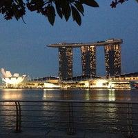 Das Foto wurde bei Marina Bay von Alexander M. am 4/9/2014 aufgenommen