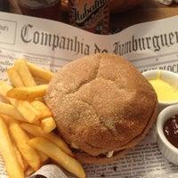 Foto tirada no(a) Companhia Do Hamburger por Juliana V. em 3/21/2016