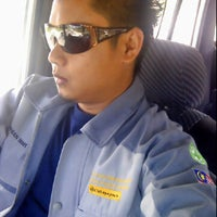 Photo taken at Parking Kompleks Sukan Likas by Pahlawan Autobot Second Hand on 11/3/2013