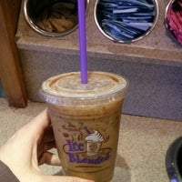 Photo taken at The Coffee Bean & Tea Leaf by Shayna on 7/18/2013
