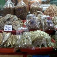 Photo taken at Mahachai Market by weerapol c. on 4/12/2013