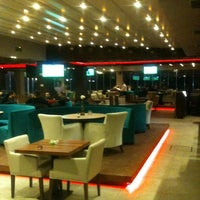 Foto scattata a Mihver Cafe & Nargile da SEDAT KARAYILAN S. il 2/27/2013