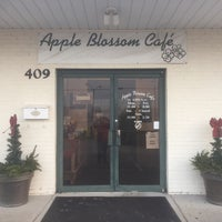Photo taken at Apple Blossom Café & Catering by Jimmy T. on 12/30/2017