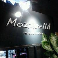 Das Foto wurde bei MozzarellA Restaurant & Bar von Nino G. am 9/15/2012 aufgenommen