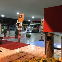 Photo taken at Yüzbaşılar Shell Mezitli by Oğuzhan A. on 11/29/2017