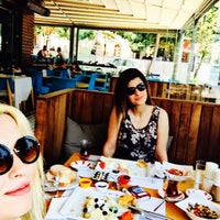 Das Foto wurde bei Alkan's cafe-bistro von Ebru L. am 7/26/2015 aufgenommen