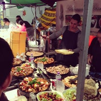Photo prise au Brick Lane Market par Shoreditch H. le4/7/2013