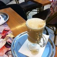 2/8/2013 tarihinde Mojca H.ziyaretçi tarafından Café Français'de çekilen fotoğraf