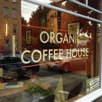 Foto tirada no(a) Caffe Fiore por Jason B. em 5/24/2013