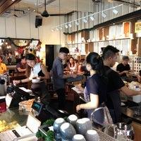Das Foto wurde bei Chye Seng Huat Hardware Coffee Bar von Bryan T. am 12/2/2012 aufgenommen