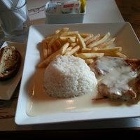 Foto tirada no(a) Restaurante Casa Maricota por Fábio H. em 6/11/2013