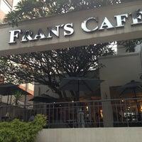 Foto tirada no(a) Fran's Café por Ronan P. em 4/26/2013