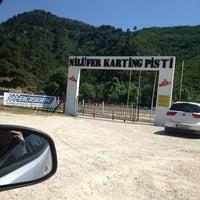 7/21/2013 tarihinde Nilay S.ziyaretçi tarafından Nilüfer Karting'de çekilen fotoğraf