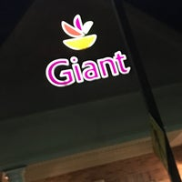 Photo taken at Giant by Titi P. on 4/11/2017