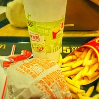 Photo taken at McDonald's (麦当劳) by Nelly E. on 3/12/2015