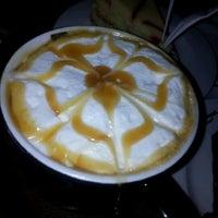 1/30/2013 tarihinde Fatosh K.ziyaretçi tarafından Gloria Jean's Coffees'de çekilen fotoğraf