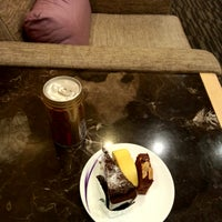 Photo taken at 華航貴賓室 China Airlines VIP Lounge by ほげ ほ. on 9/18/2017