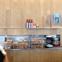 Foto scattata a Z Deli Sandwiches da Monica H. il 3/31/2018