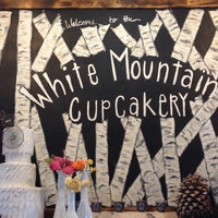 Photo taken at The White Mountain Cupcakery by Marguerite K. on 7/16/2015