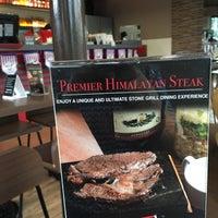Foto tomada en Red Baron Ribs & Steaks por Faye M. el 8/29/2016