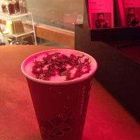 Das Foto wurde bei Starbucks von Summer H. am 11/17/2013 aufgenommen