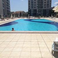 Photo taken at 5 No.'lu Havuz by Taner G. on 7/21/2013