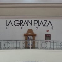 Foto tomada en La Gran Plaza por Jose B. el 7/24/2013