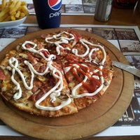 Photo prise au Pizza Uno par İhsan U. le5/10/2013