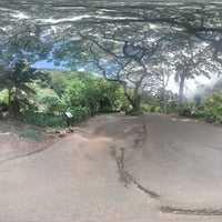 Photo taken at Waimea Valley Adventure Park by Toufik R. on 8/13/2017