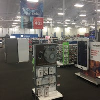 Photo taken at Best Buy by Toufik R. on 6/30/2017