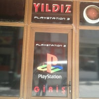 Photo taken at Yıldız PlayStation by Emre Ege A. on 5/21/2013