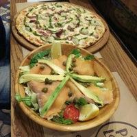 3/3/2016 tarihinde Elif A.ziyaretçi tarafından Pizza Locale'de çekilen fotoğraf
