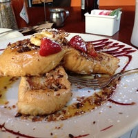 Photo taken at Isabel Restaurant by Gabe C. on 9/7/2013