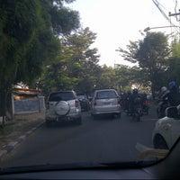 Photo taken at Jalan Raya Tanah Kusir by bustanul a. on 3/18/2013