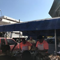 Photo taken at Tacos Don Manuel Suadero by Alex F. on 3/25/2017