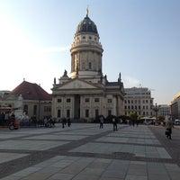 Foto tomada en Gendarmenmarkt por Peter C. el 4/25/2013