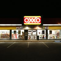 Photo taken at Oxxo Villas Del Prado 2 by Luis Manuel C. on 2/4/2013