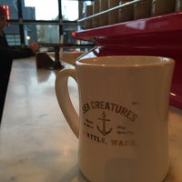 11/26/2017 tarihinde Scot O.ziyaretçi tarafından General Porpoise Coffee & Doughnuts'de çekilen fotoğraf