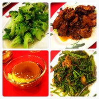 Photo taken at Weng Kee Seafood Restaurant (永记海鲜饭店) by Vincent A. on 4/5/2014