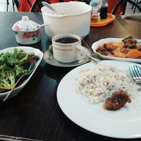 Photo taken at Legazpi Four Seasons Restaurant by Danielle Ema F. on 3/18/2015