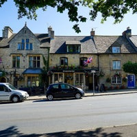Photo taken at Stow-on-the-Wold by Jui Hong on 9/23/2015
