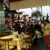 4/25/2013 tarihinde Fatih D.ziyaretçi tarafından Kaşık Mantı & Ev Yemekleri'de çekilen fotoğraf