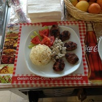 5/21/2013 tarihinde Fatih D.ziyaretçi tarafından Kaşık Mantı & Ev Yemekleri'de çekilen fotoğraf
