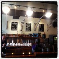 5/9/2013 tarihinde Billy W.ziyaretçi tarafından Caffe Streets'de çekilen fotoğraf