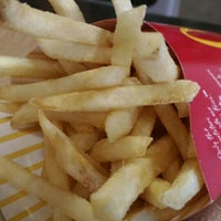 Photo taken at McDonald's by Simon 🐹 on 6/25/2016