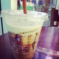 Photo taken at J.Co Donuts & Coffee by Putri D. on 10/22/2013
