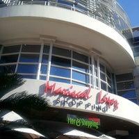 Снимок сделан в Shopping Mariscal пользователем Cyn B. 3/26/2013