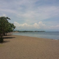 Photo taken at Pantai Lovina (Lovina Beach) by Leonid K. on 3/28/2013