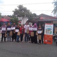 Photo taken at 2nd Venue Burger Gaboh Pekanbaru by DeSman A. on 12/1/2014
